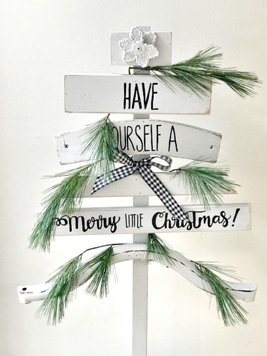 Letter transfer Scrap Wood Christmas Tree. Homeroad.net