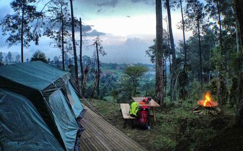 Camping di Dusun Bambu