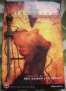Portada del libro The Sandman. El libro de los sueños, de varios autores