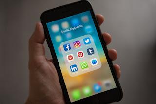 jualan produk melalui media sosial