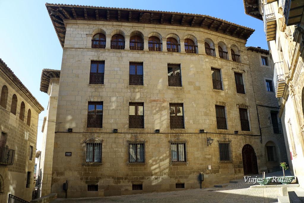 Palacio Gil de Jazz, Sos del Rey Católico