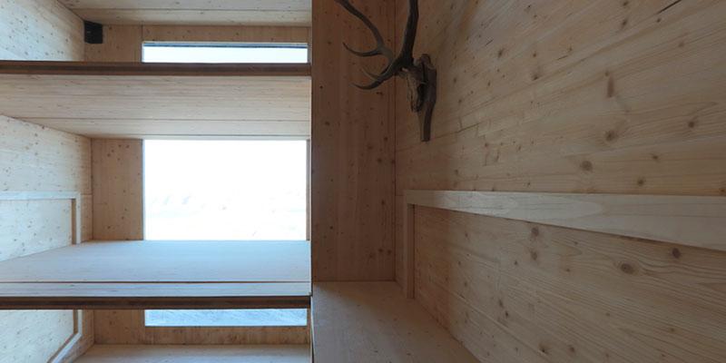 Winter cabin on mount kanin by ofis arhitekti for Ofis arhitekti