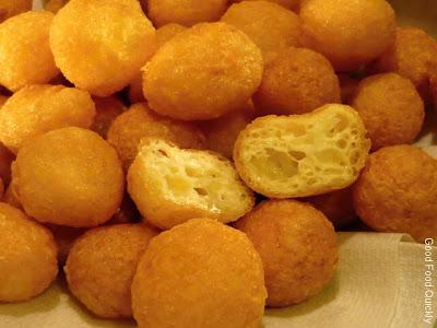 Snacks-uri cu cașcaval și ou