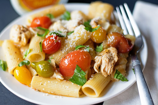 A Close-up of the finished Chicken Caprese Pasta