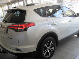 GumTree OLX Used cars for sale in Cape Town Cars & Bakkies in Cape Town - 2016 Toyota Rav 2.0 GX petrol 6 speed manual