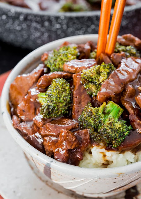 Easy Beef and Broccoli Stir Fry - forget take-out! In 15 minutes you can have this insanely delicious beef and broccoli stir fry! Way better than any restaurant version!