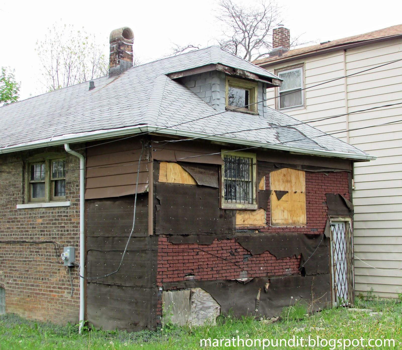 Three Brothers Bungalows: Marathon Pundit: (Photos) The Abandoned Homes Of Chicago's