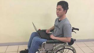 Jennifer S dan Ivan H Mahasiswa Binus Pengembang Kursi Roda Yang Digerakkan Sinyal Otak - indra92