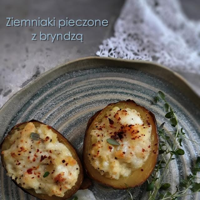 Pieczone ziemniaki z bryndzą