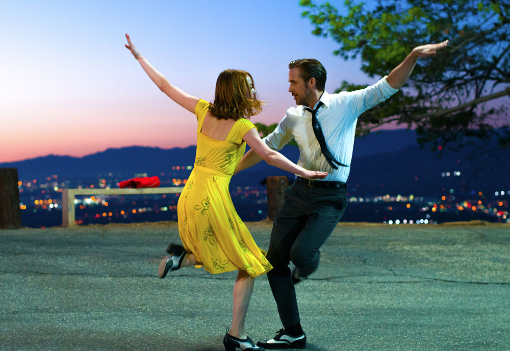 LA LA LAND -pelicula - Ryan Gosling y Emma Stone bailando