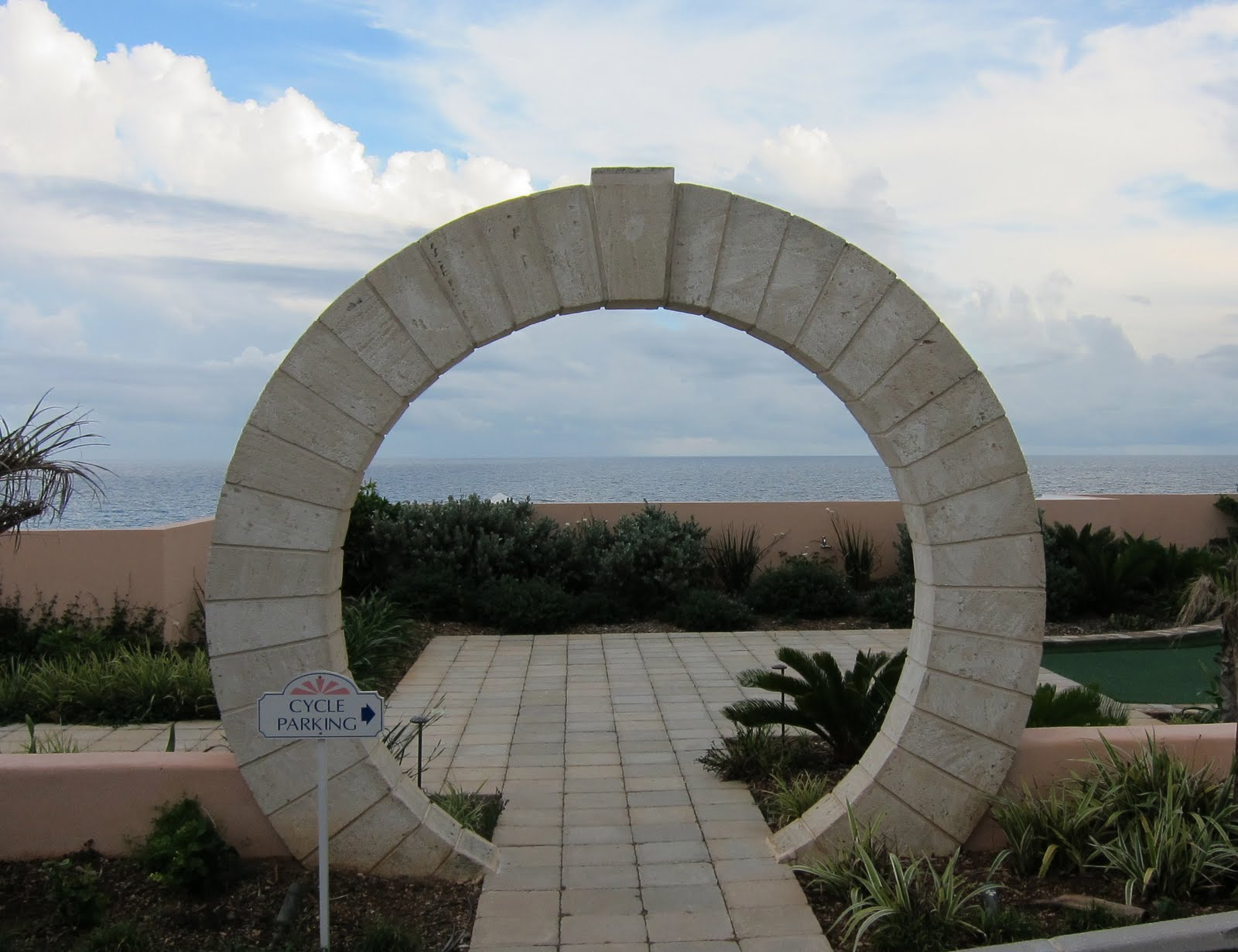 2 Keystone Arch