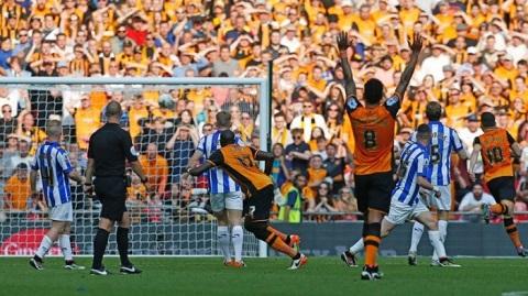 Cú sút làm nên chiến thắng của Hull City