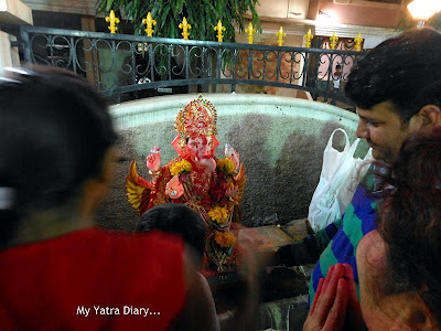 Devotees play Gulaal holi with their Lord - Ganesh Chaturthi Festival