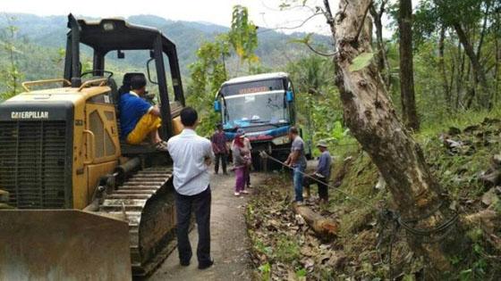 Foto Bus Masuk Alam Gaib di Kebumen, Tiba-Tiba Di Jalan Mananjak Dan Sempit
