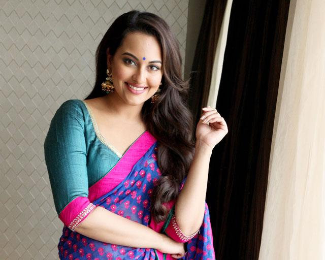 Download Free Hd Wallpapers Of Sonakshi Sinha: SOUTH INDIAN ACTRESS Wallpapers In HD: Sonakshi Sinha In