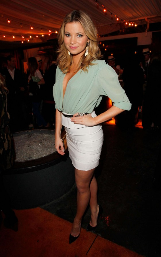 Amber Lancaster Launch Of Caliche Rumcronicassico Tropicas