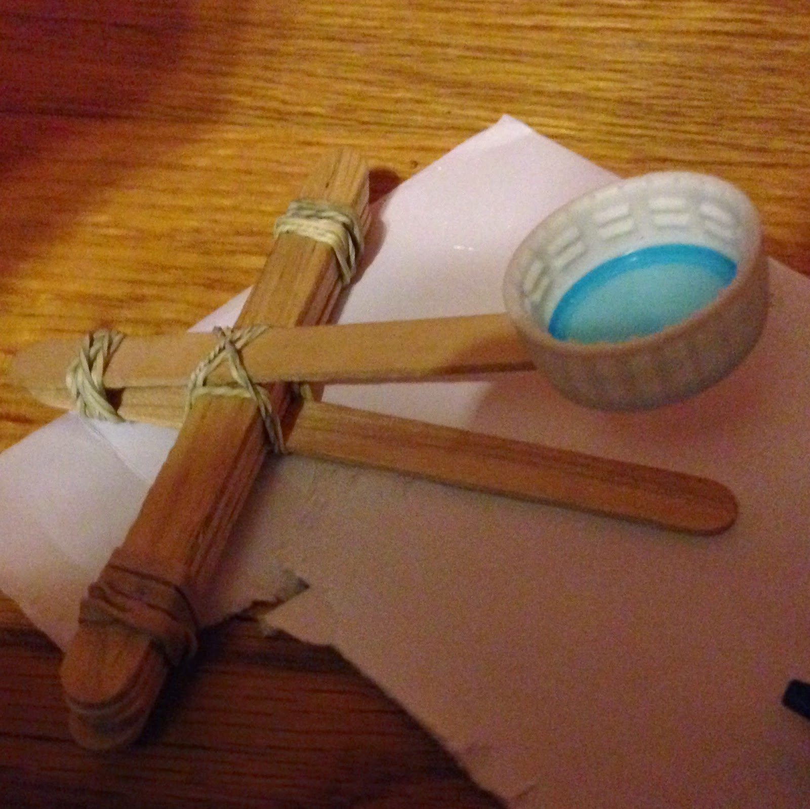 Popsicle stick catapult @ whatilivefor.net