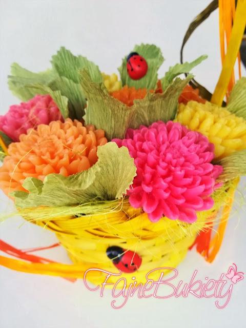 kwiaty z mydła w koszu