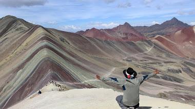Vinicunca, Cerro colorado o Montaña de Siete Colores