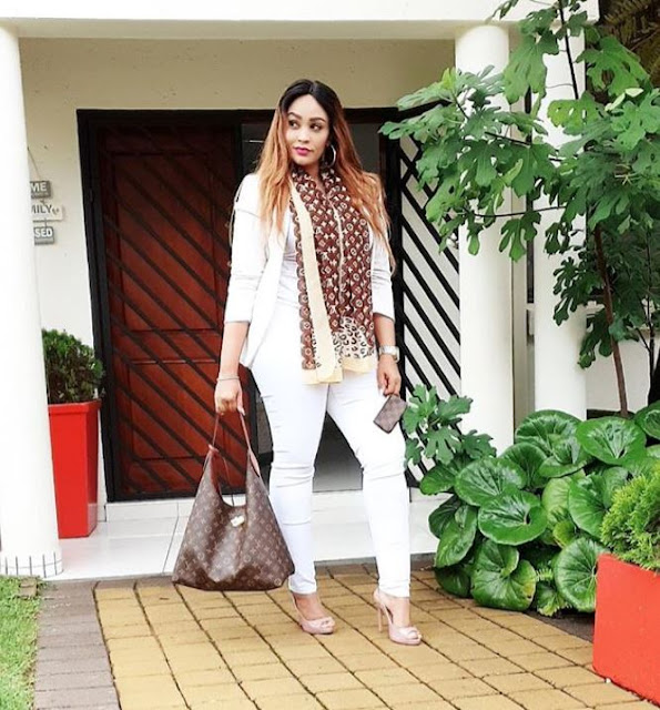 Fan Roasts Zari Hassan For Her Fake American Accent