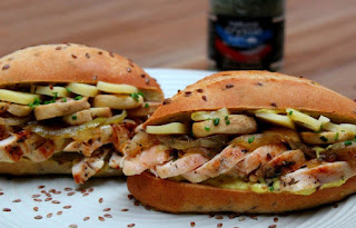 Sandwich de pollo con champiñones