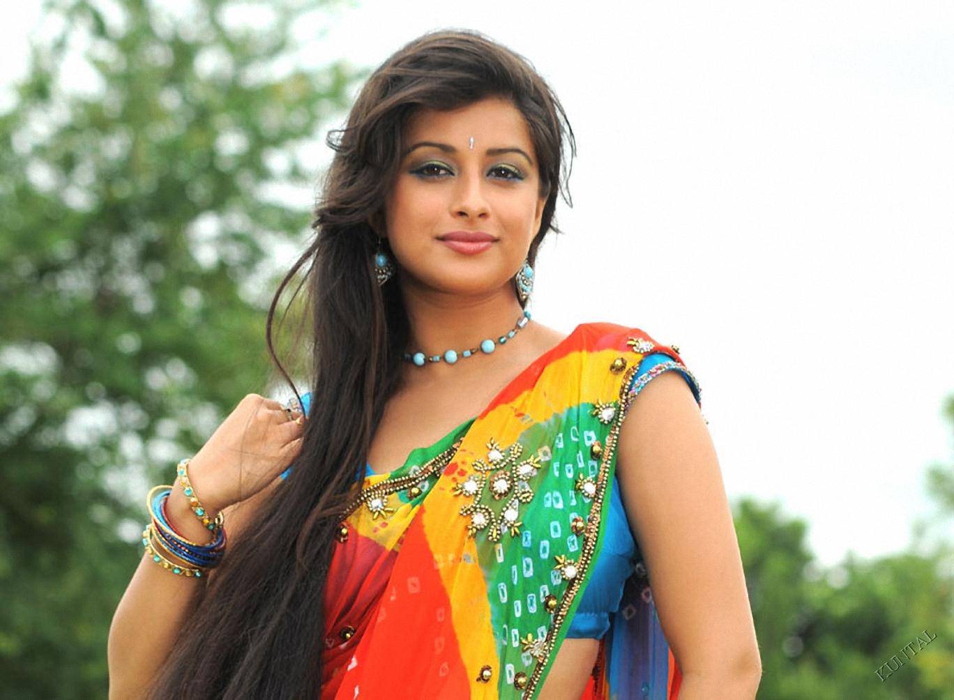 Indian Ladies Short Haircut Hylen Maddawards Com