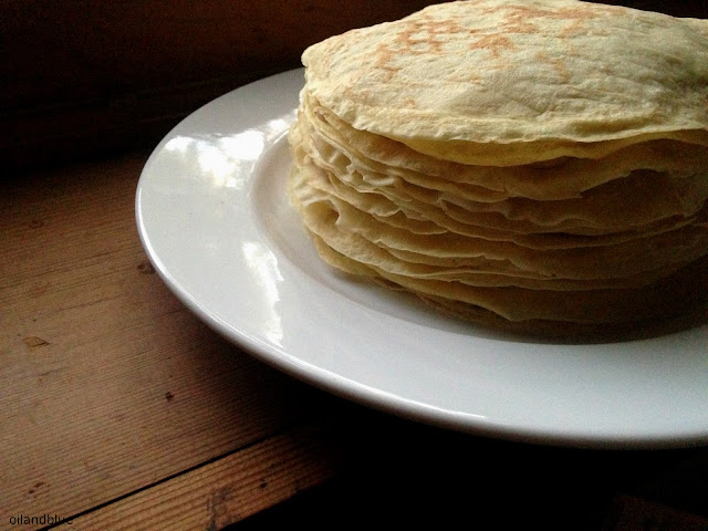 http://oilandblue.blogspot.com/2016/02/simple-easy-crepes-recipe.html