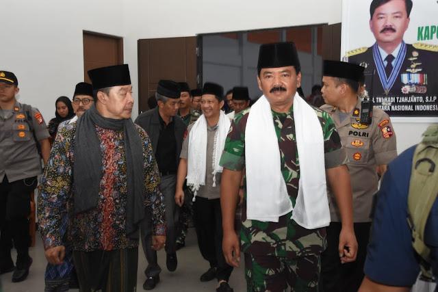 Panglima TNI : Pondok Pesantren Tempat Berkumpulnya Intelektual Kebangsaan