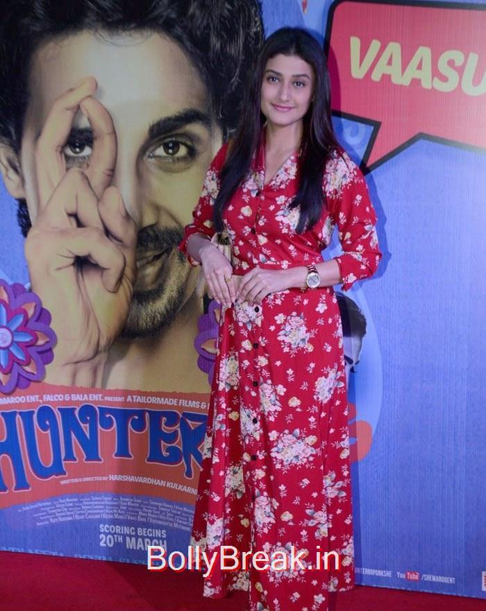 Ragini Khanna, Ragini Khanna, Radhika Apte Hunterr Movie Premiere Pics