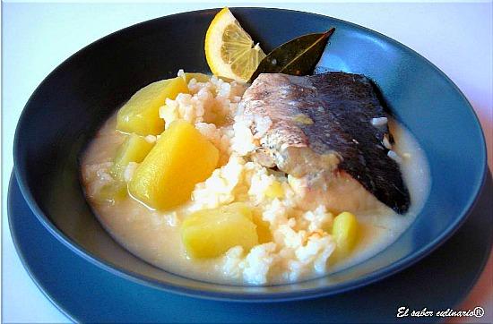 pescado-en-blanco-con-arroz-receta-facil