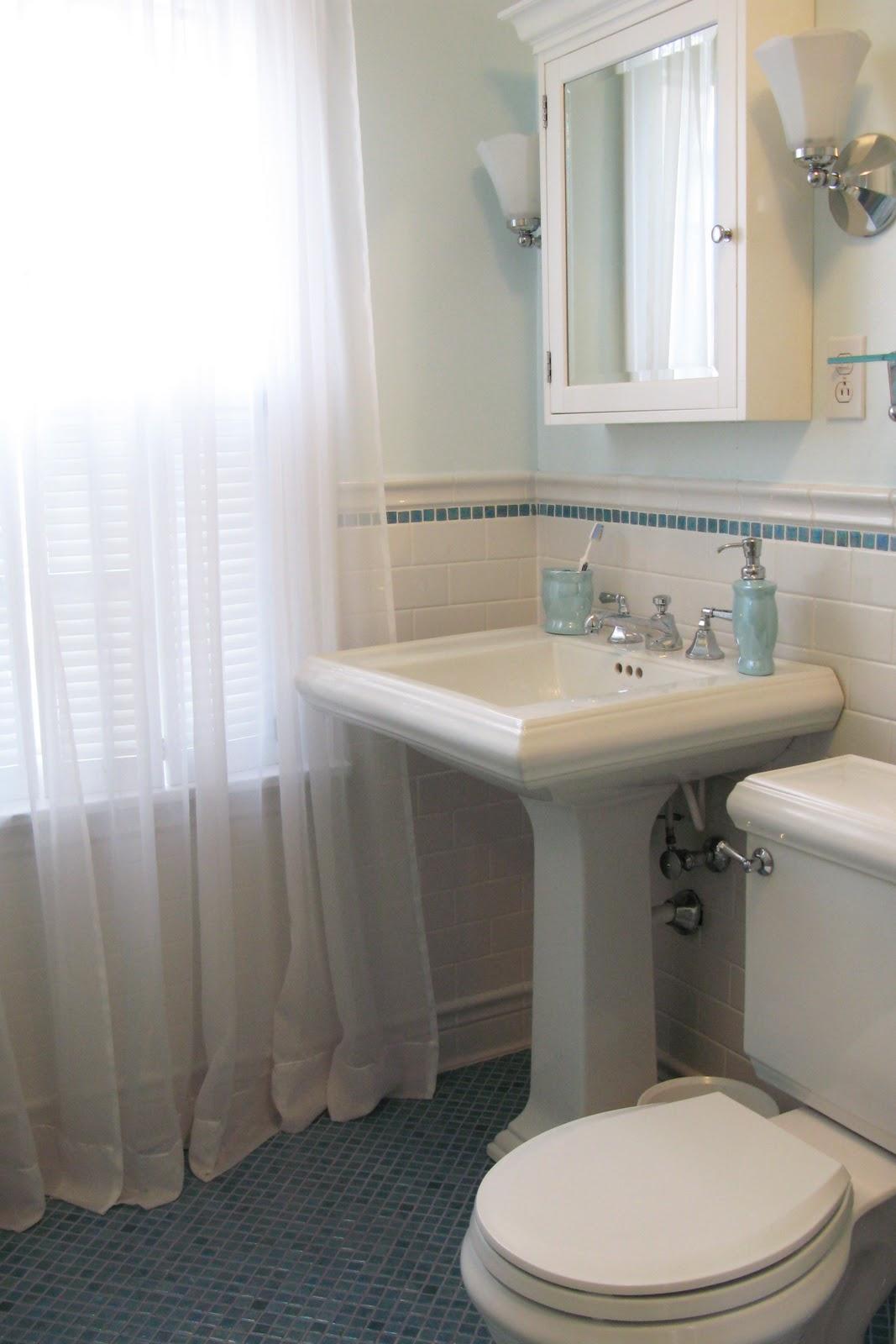Just grand original 1930 39 s hall bathroom remodel for 1930 bathroom tile ideas
