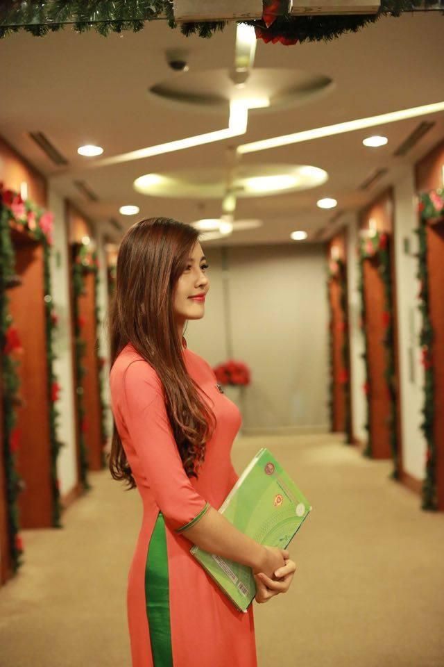 Hot Girl FPT Hà Nội Xinh Tươi Đón Noen 1