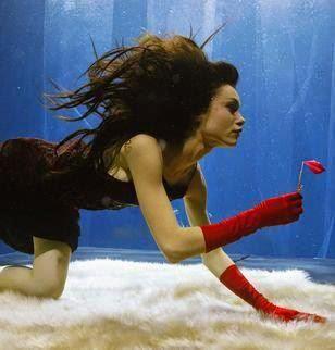 المرأة الحوت