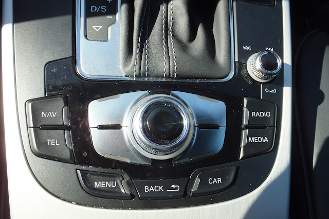 audi-navi-command-switch