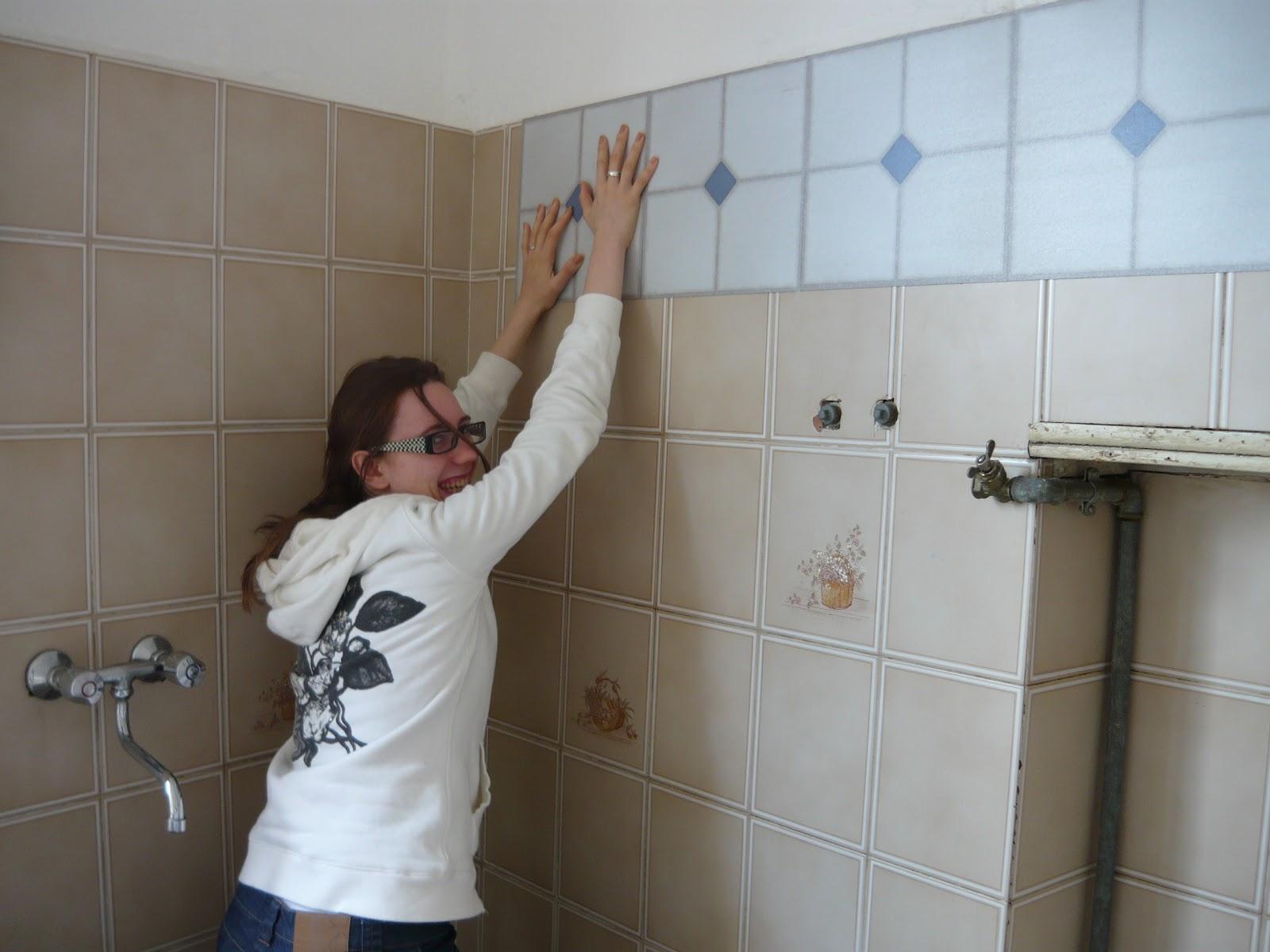 30mq storie di un 39 albavilletta aprile 2012 for Piastrelle adesive da parete