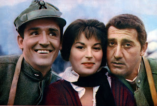 With Silvana Mangano and Alberto Sordi (right), his co-stars in the comedy classic La grande guerra (1959)