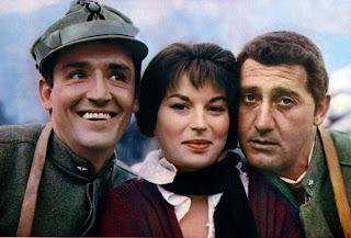 With Silvana Mangano and Alberto Sordi (right), his co-stars in the comedy classic La grande guerra (1959)