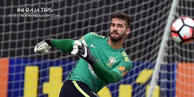Liverpool Layangkan Kembali Tawaran Terhadap AS Roma Untuk Transfer Alisson