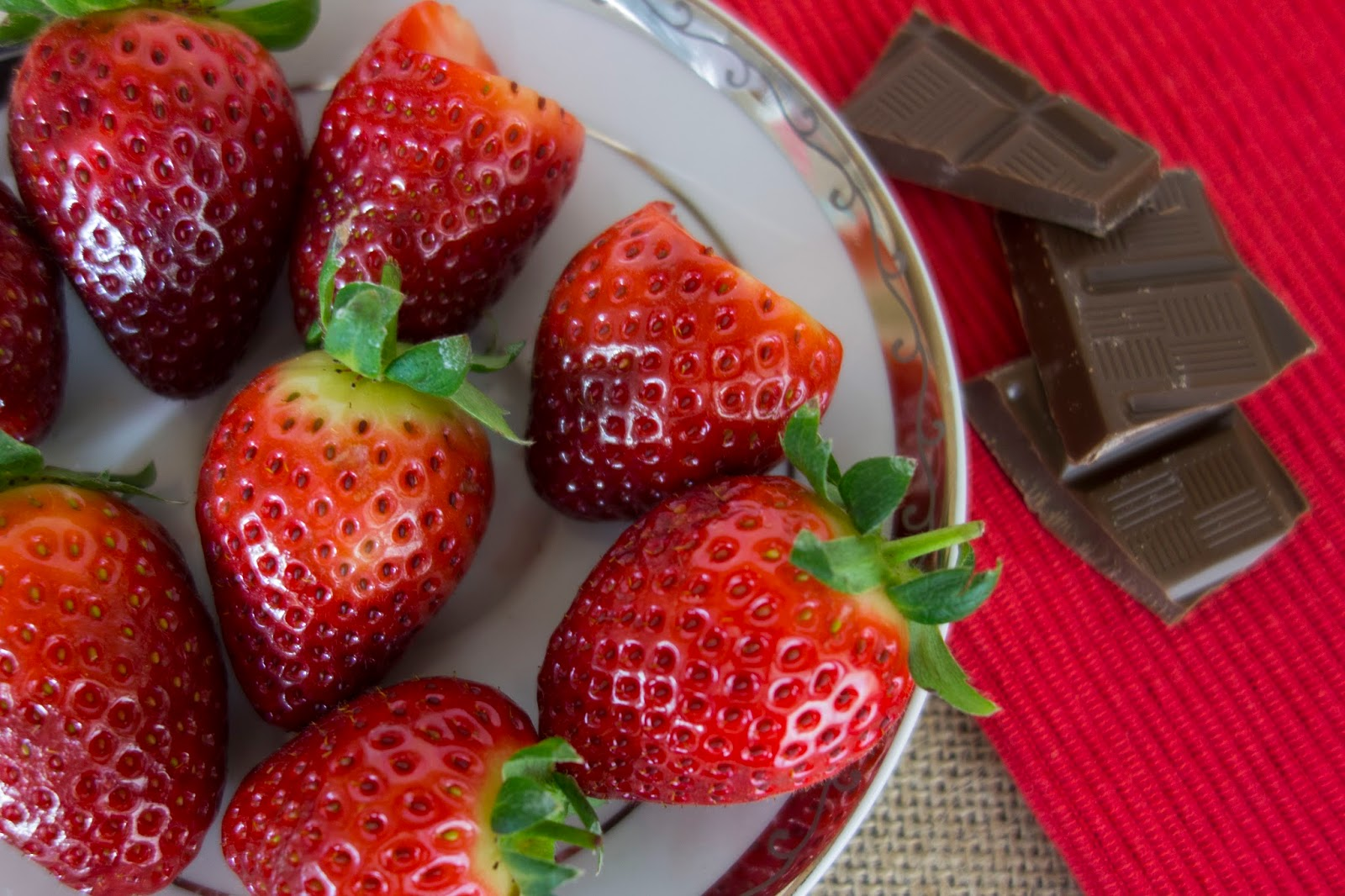 Valentine's Day Ideas / Chocolate Covered Strawberries ...