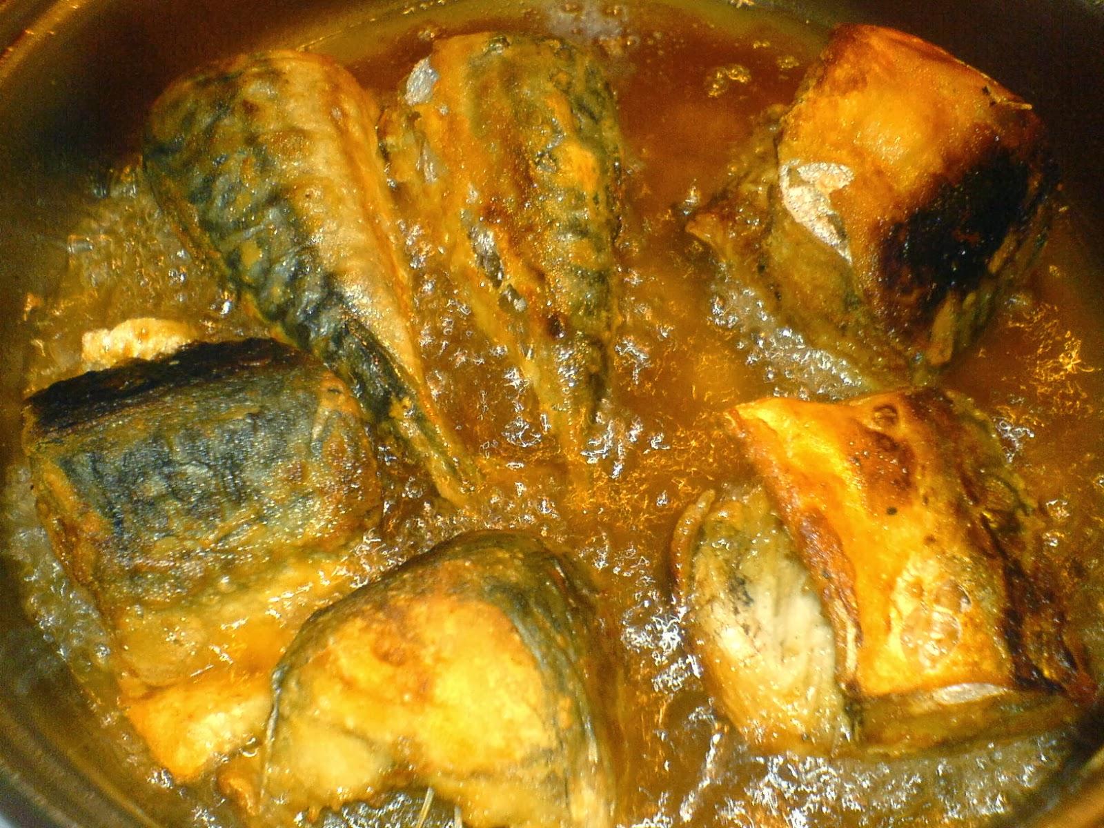 peste, peste prajit la tigaie, retete de peste, preparate din peste, macrou prajit, retete culinare, mancaruri cu peste,