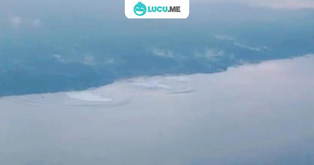 Bikin Deg-degan, Video Terjangan Tsunami di Palu Direkam Pilot di Udara