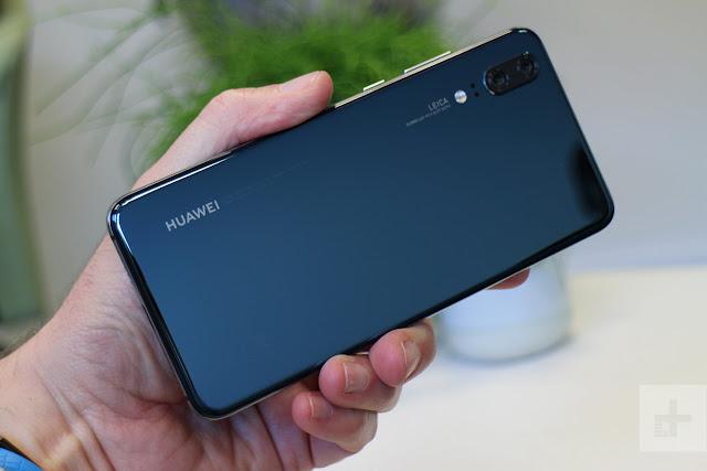 Huawei P20 Pro dengan 3 Kamera Belakang