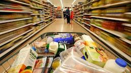 Comisarii ANPC au dat amenzi de peste 460.000 de lei mai multor hypermarketuri şi supermarketuri din zona Olteniei