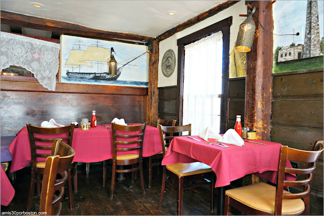Comedor de Warren Tavern en Charlestown, Boston