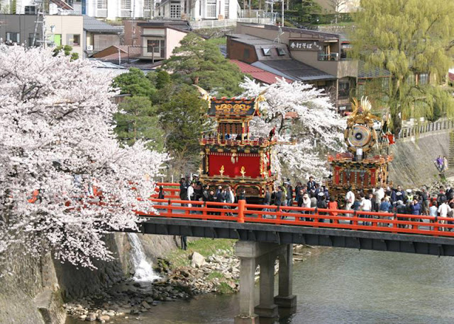 THE TAKAYAMA FESTIVALS FROM JAPAN