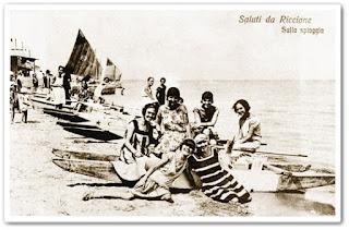 Foto Riccione storica bagnanti sulla spiaggia