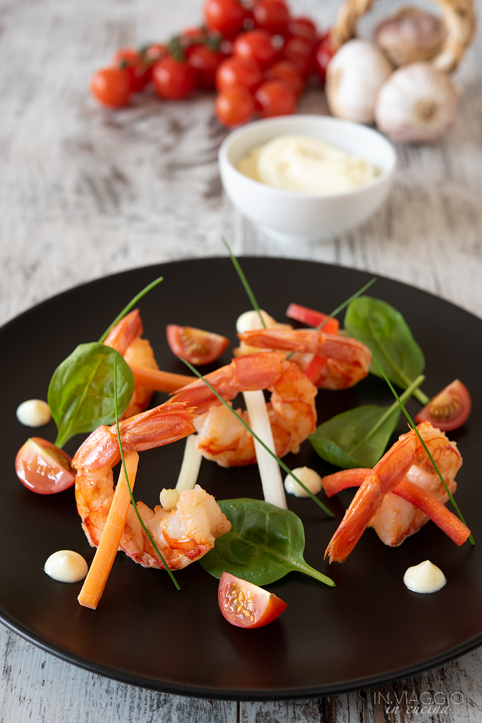 Grilled prawn salad with aioli sauce