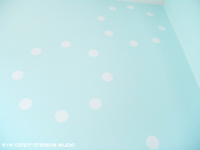 wallternatives, circle pattern, vinyl wall decor, tween girls bedroom ideas