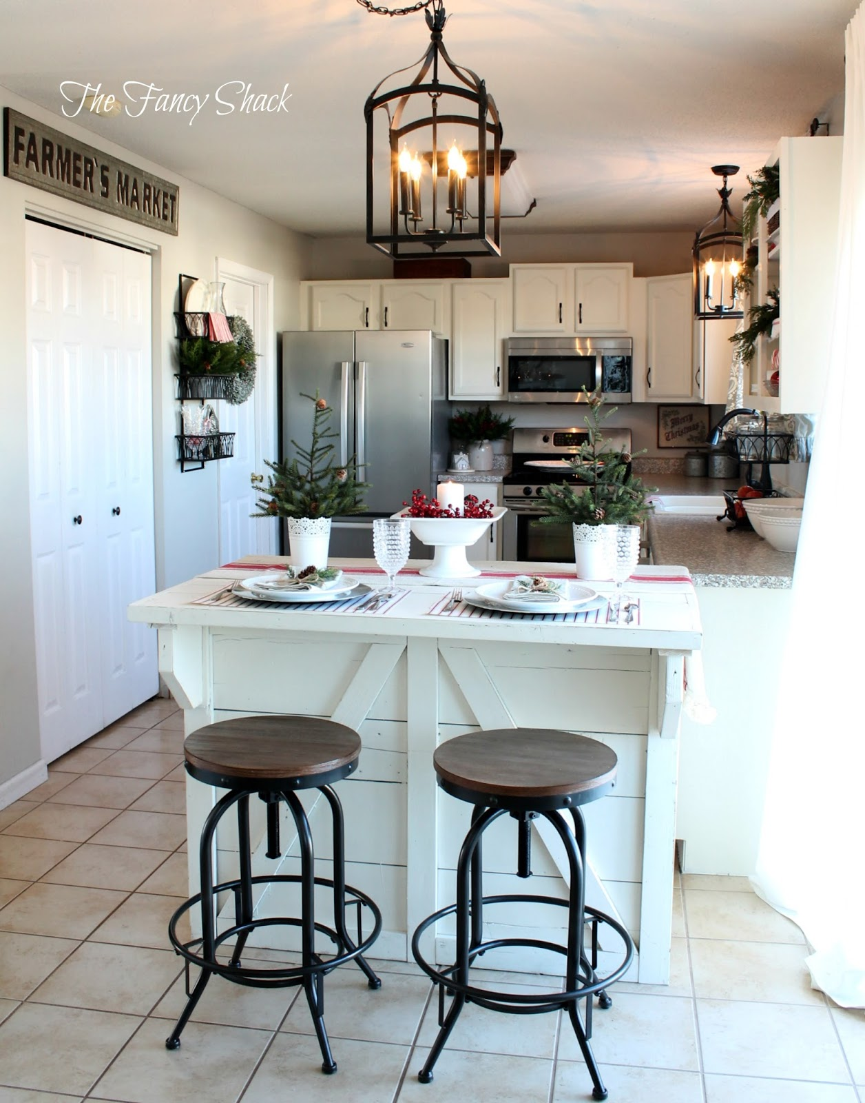 The Fancy Shack: Kitchen Makeover with Annie Sloan Chalk Paint