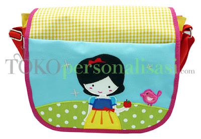 http://www.tokopersonalisasi.com/en/messenger-bags/1660-messenger-bag-snow-white.html